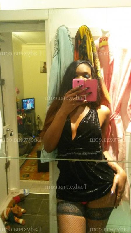 escorte trans massage érotique à Tarnos