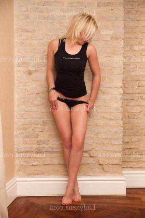 Servanne escorte girl massage