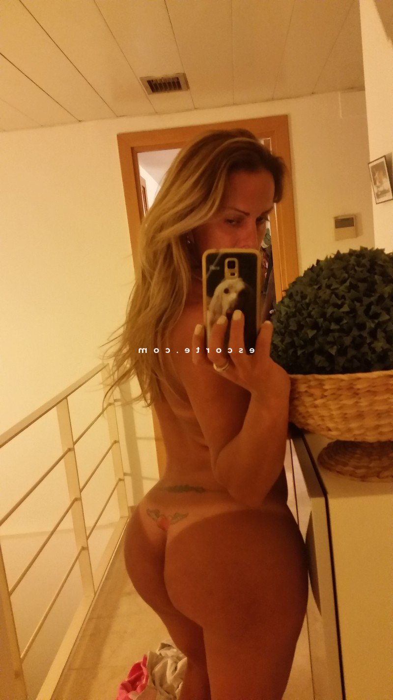 escort girl à Valenciennes